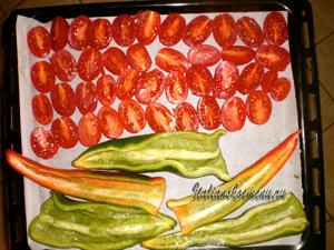 подготовленные овощи выкладываем на противень
