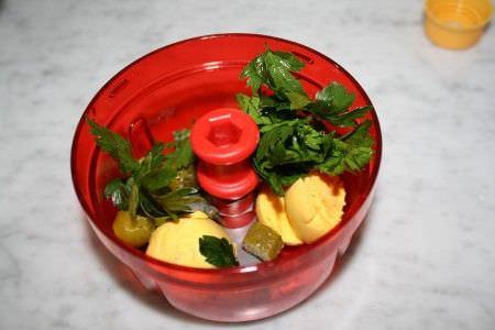 готовим начинку из вареных яиц