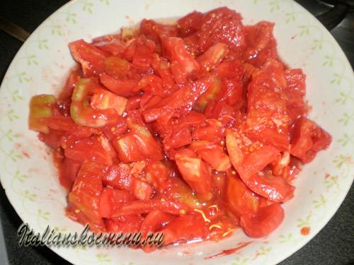 ньокки с помидорами и базиликом