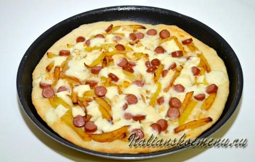 пицца с картошкой и сосисками