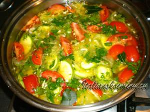заливаем овощи бульоном