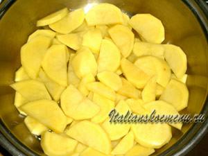 нижний слой из картофеля