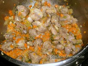 куриные желудки и овощи