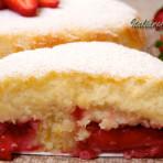 бисквитный пирог с клубникой