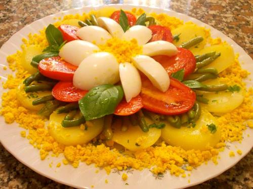 цветок из овощей