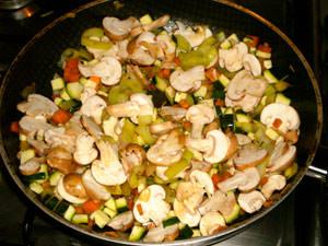 Овощи и грибы на сковороду